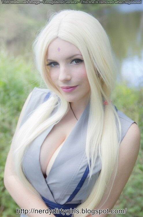 Really Hot Blonde Cosplaying as Lady Tsunade from Naruto