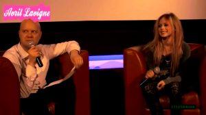 Avril Lavigne Shows Her Tatoo