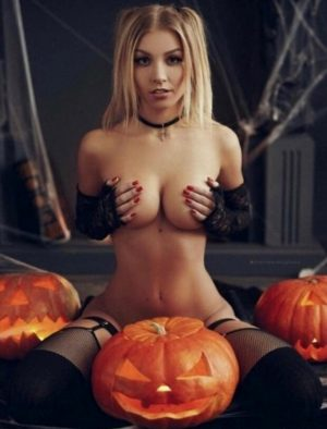 Handbra at the Halloween Party