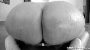 Kiara Mia – Big Wet Butts – Brazzers (7 gifs)