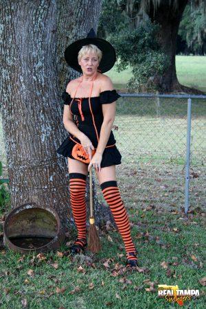 Mom in sexy halloween costume. Halloween costume mom. Cosplay mom. Mom costume porn.