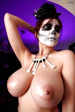 Preparadas para o Halloween – Gostosas Fantasiadas