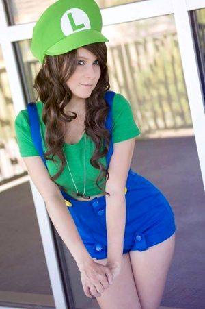Teen cosplay